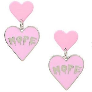 💗Nope Dripping Heart Drop Earrings NWT Hot Topic